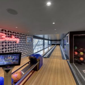 MSC Grandiosa, bowling